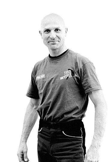 Roman Cnotalski - Freefall Photographer