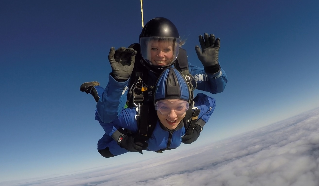 Female UK tandem skydive instructor